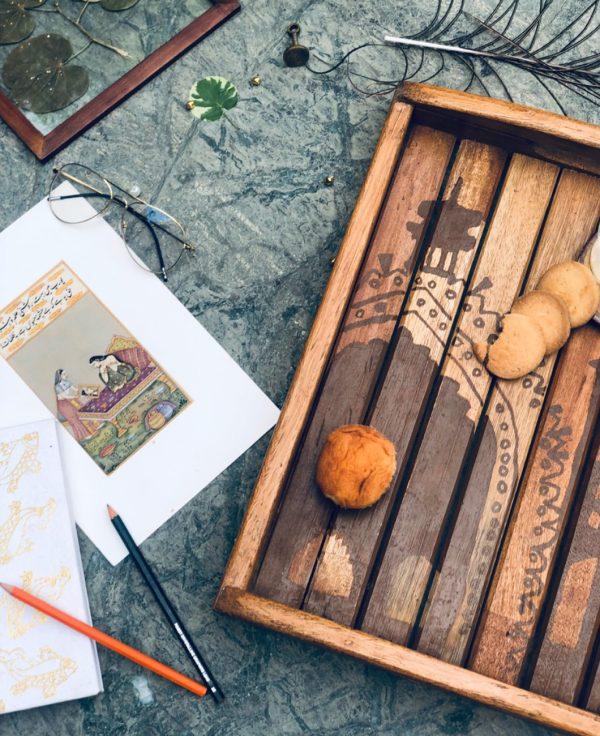 Buy-Hand-painted-Tray-Rumi-Darwaza-Lucknow